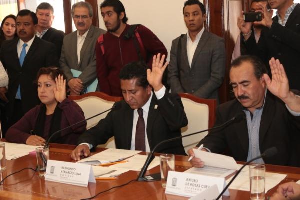 Legisladores sostienen mesa de trabajo con funcionarios de la Secretaría del Transporte y Carretera de Cuotas